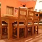 Masivni stol i stolice