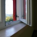 Masivna prozorska klupčica