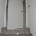 Ulazna vrata u stan, sa RS ispunom i metalnim dovratnikom