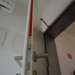 Ulazna vrata u stan, protupožarna EI30, sa RS ispunom i samozatvarajućim mehanizmom